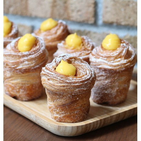 Passionfruit Cruffin